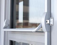 Drzwi aluminiowe, stolarka przeciwpożarowa Wiśniowski. Adams Salon partnerski Żary