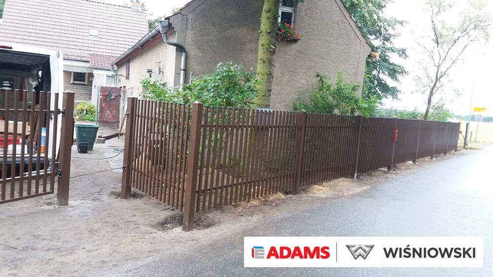Ogrodzenia posesyjne, brama skrzydłowa, automatyka, ogrodzenie Wiśniowski. Adams Salon partnerski Żary