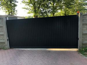 Ogrodzenia posesyjne, brama przesuwna, ogrodzenie Wiśniowski. Adams Salon partnerski Żary