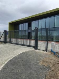 Ogrodzenia przemysłowe, brama przesuwna, ogrodzenie Wiśniowski. Adams Salon partnerski Żary