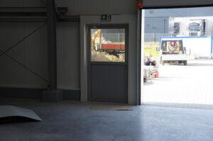 Drzwi panelowe, stolarka Wiśniowski. Adams Salon partnerski Żary