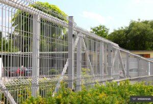 Ogrodzenie przemysłowe, panele kratowe 3D Wiśniowski. Adams Salon partnerski Żary